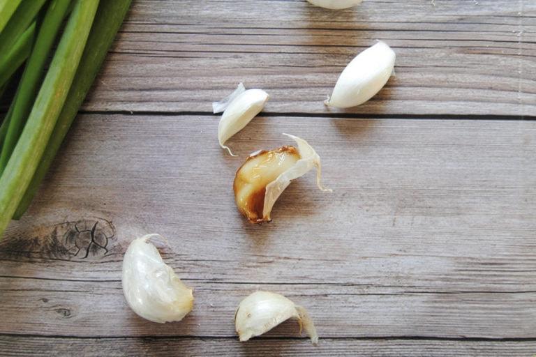 Roasted Garlic And Feta Mashed Potatoes -