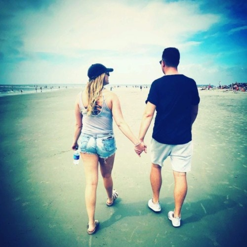 Husband and Wife Couple Walking On the Beach | FurloughedFoodie.com