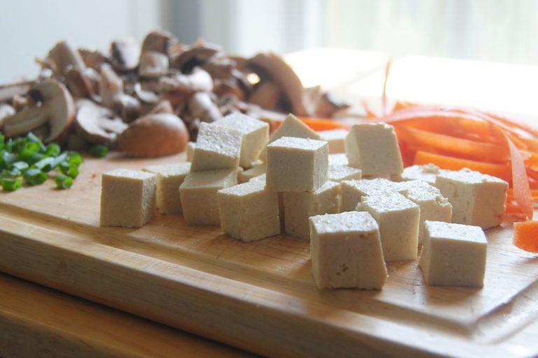 Thai Spicy Peanut Noodles - Cubed Tofu