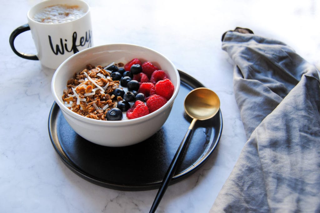 Simple Crunchy Coconut Granola - With Berries