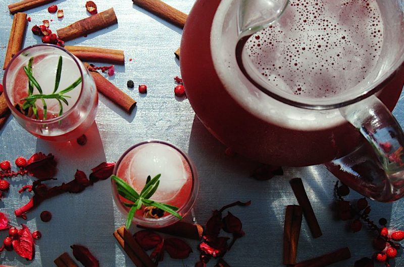 Sparkling Mulled Cranberry Cocktail