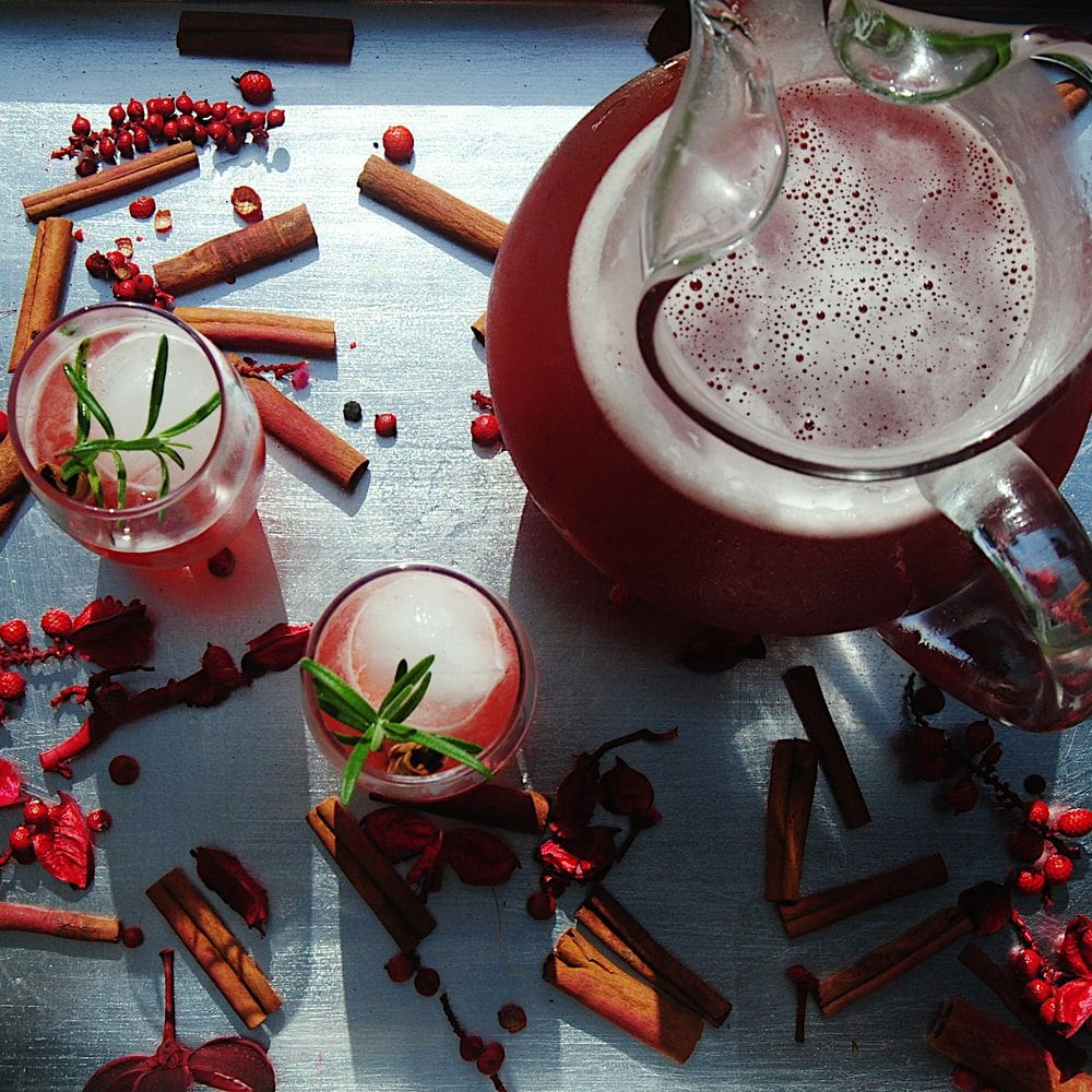 13 Exciting Recipes To Try Thanksgiving 2020 - Sparkling Mulled Cranberry Cocktail