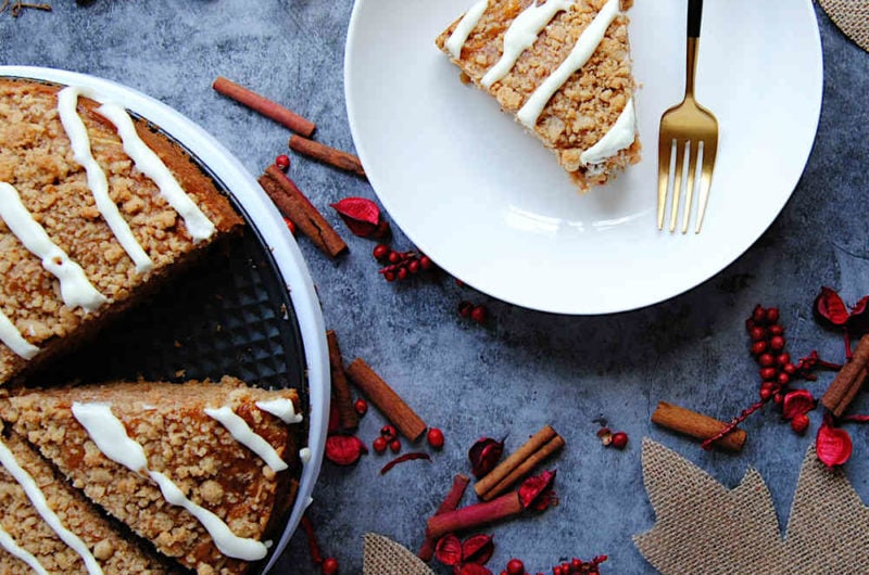 Fall Apple Cake With Streusel Topping