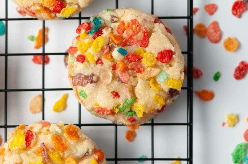 Fun Fruity Pebbles Cookies