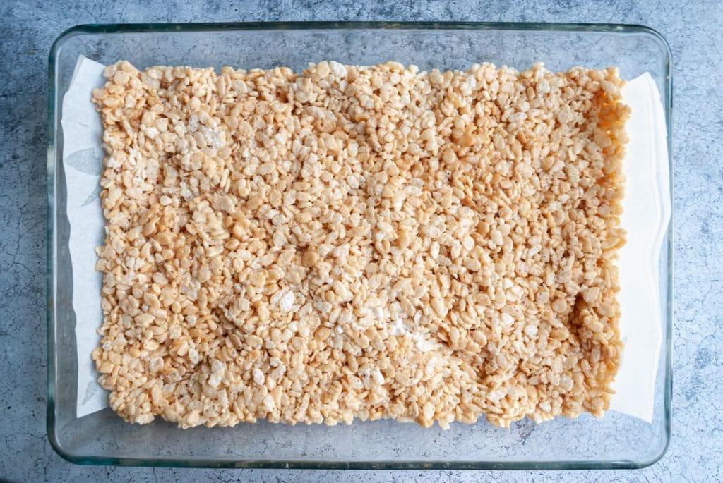 rice krispie treat mixture before it is set
