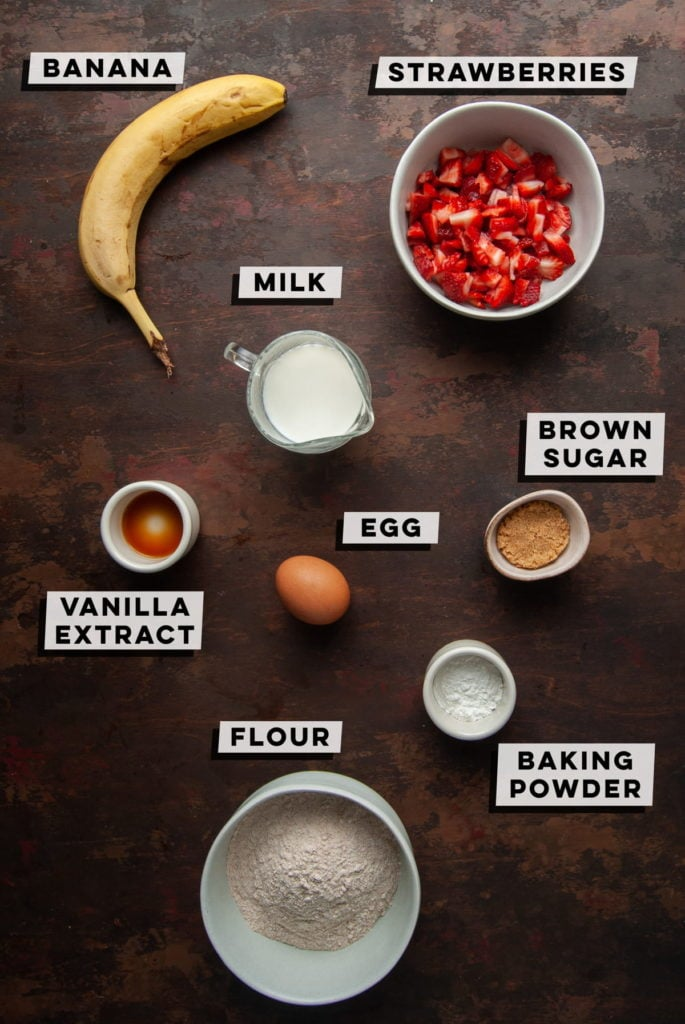 banana, strawberries, milk, brown sugar, egg, vanilla extract, baking powder, flour