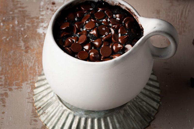 80-Second Fudgy Vegan Mug Brownie